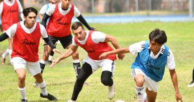 Jóvenes de Copa Urbana en pre-temporada con el Club Irapuato